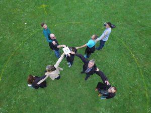 Sådan skaber du sammenhæng i dine teambuilding aktiviteter og firmaevents